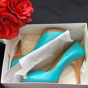 NINE WEST turquoise peep toe heel